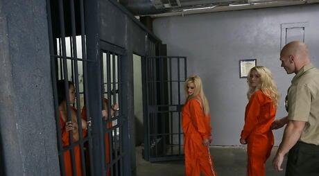 Prison galleries