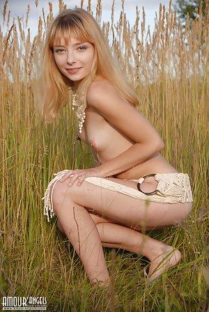 Skinny Porn galleries